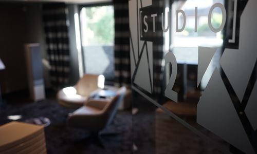 Studio_2_05